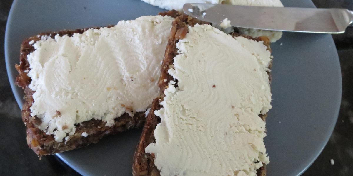 almond-seedy-bread-recipe-01