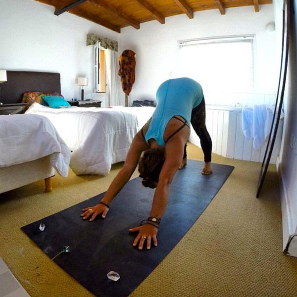 yoga-beginner-downward-dog